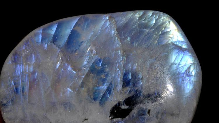 La lithothérapie et la pierre de lune